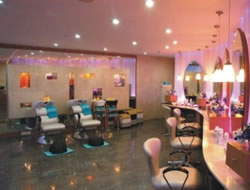 Beauty Salon in Glendale